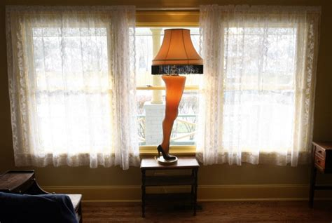 ' Leg Lamp Stolen From 'a Christmas Story' Tribute