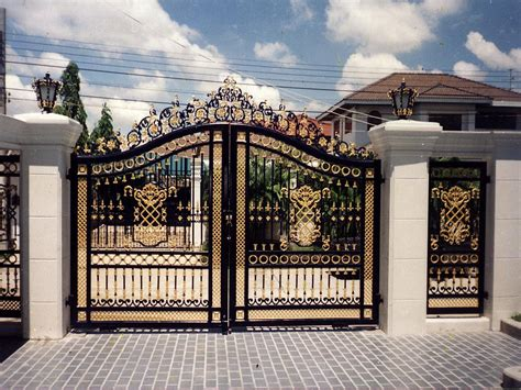 house gates sles 17 elegant gates to transform your yard into inviting place