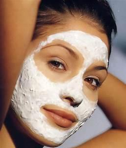 Мумие в масках от морщин вокруг глаз