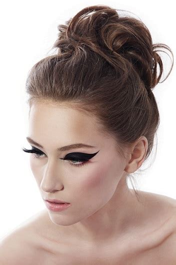 hair buns styles for medium hair top 9 bun hairstyles for prom styles at 5313
