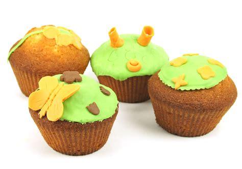 des cupcakes printaniers en p 226 te 224 sucre p 226 te 224 sucre