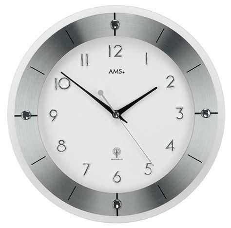 horloge radio pilotee 1001 pendules