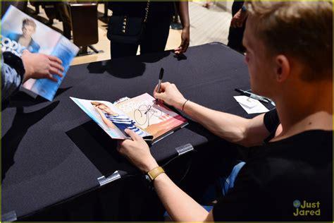 Cody Simpson Miami Concert Book Signing Photo 611068