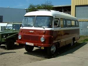 Was Ist Ein Bus : robur bus in werdau zum ifa oldtimertreffen 2005 was f r ein robur das ist weiss ich nicht genau ~ Frokenaadalensverden.com Haus und Dekorationen