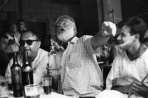 Ernest Hemingway in the bar Floridita in Havana, unknown date Super Retro