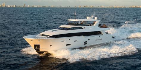 hatteras ft raised pilothouse yacht  sale