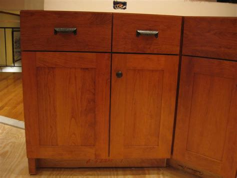 where to place hardware on kitchen cabinets placement of handle on trash pullout 2188