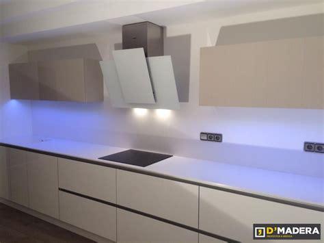 cocina de luxe  tirador gola luz led  lg  macs