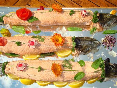 cuisiner une truite au four saumon en bellevue recette de saumon en bellevue marmiton