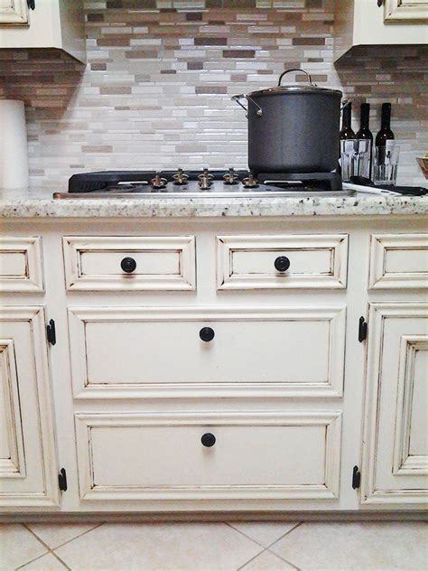 antique finish kitchen cabinets antique white kitchen makeover general finishes design 4085