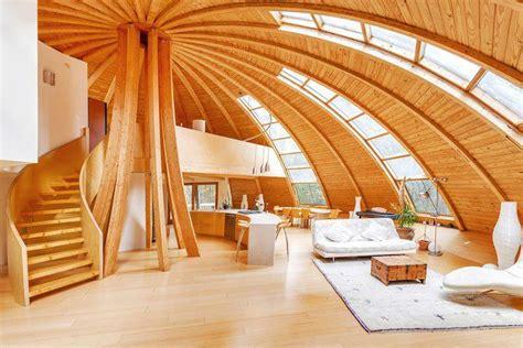 Moderne Häuser Mit Holz by Das Rotierende Rundhaus Aus Holz Chiquita Treehouse Design