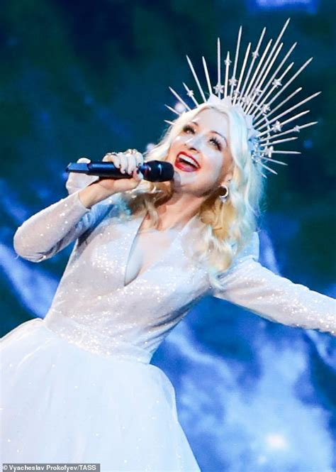 Kate Miller Heidke looks every inch the glowing goddess at