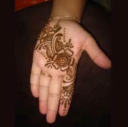 Buy Mehndi Henna Kit Elegant And Beautiful Arabian Mehndi ...