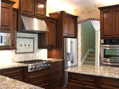 Decorating Ideas For Kitchen With Cherry Cabinets by 20 Stunning Kitchen Design Ideas With Mahogany Cabinets