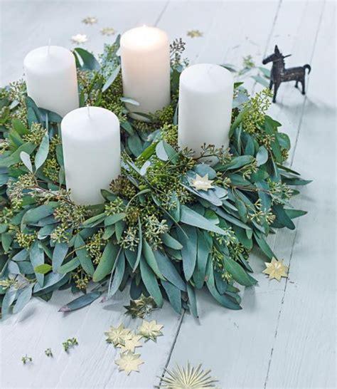 adventskranz 2017 farben der frische adventskranz aus eukalyptus bild 2 living at home