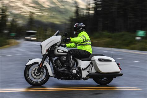 2019 Indian Chieftain Dark Horse Test Ride