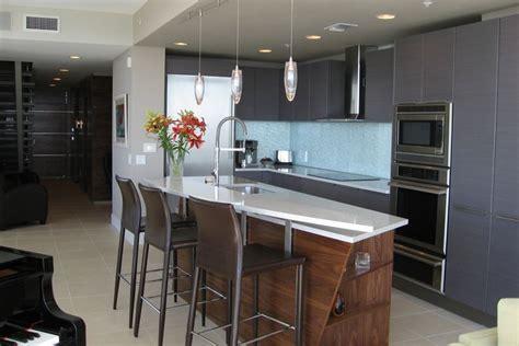 gray kitchen walls brown cabinets 20 stylish ways to work with gray kitchen cabinets 6907
