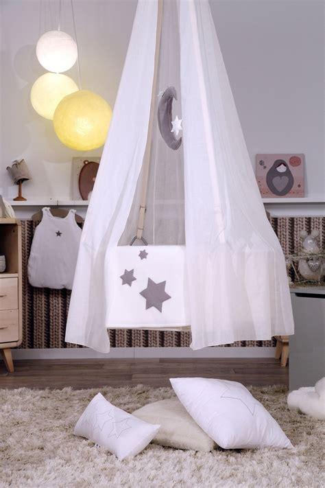 une chambre de bébé esprit cocooning réalisée par