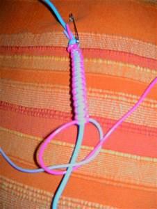 Fil De Scoubidou : bracelet en fils pour scoubidou blog de bricoletcaetera ~ Zukunftsfamilie.com Idées de Décoration