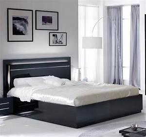 Lit city laque noir chambre a coucher for Deco chambre enfant avec sommier et matelas memoire de forme 160x200