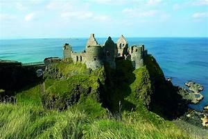 Dunluce Castle Medieval Irish Castle on the Antrim Coast ...
