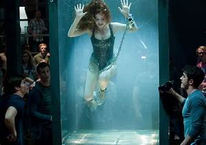 "Danger Theatre: Isla Fisher in ""Now You See Me"""