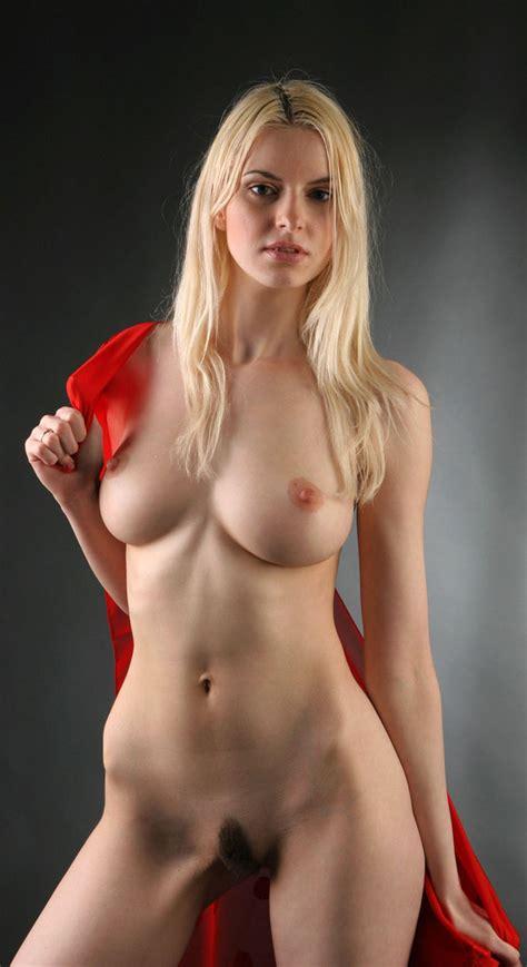 Nackt Lisa Brenner  Lisa Brenner