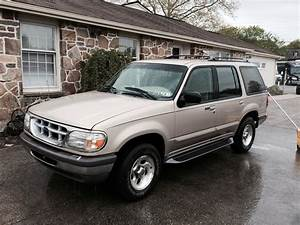1997 Ford Explorer - Overview
