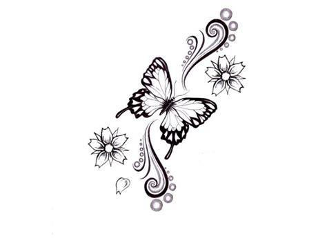 Die Besten 17 Ideen Zu Schmetterling Tattoo Auf Pinterest