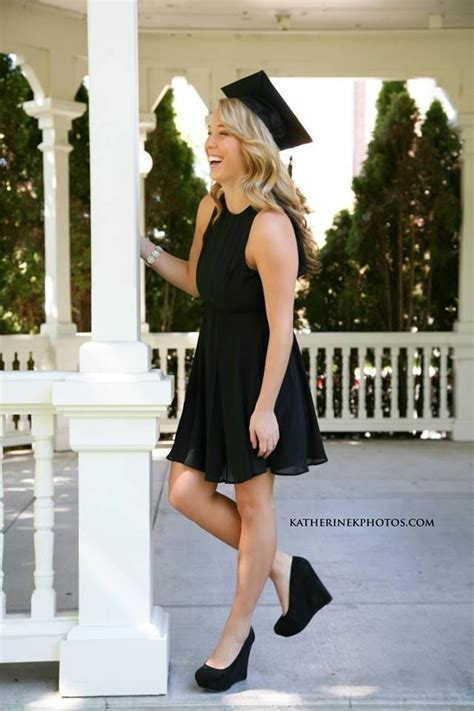17 Best ideas about Graduation Outfits on Pinterest | Hoco dresses Short dresses for prom and ...
