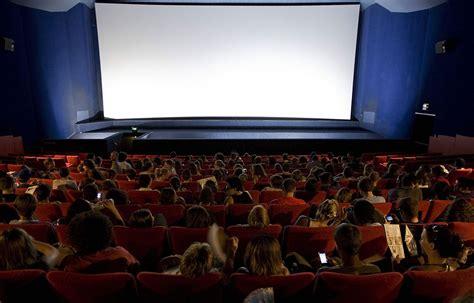 photo salle de cinema cholet il se masturbe au cin 233 ma 224 c 244 t 233 d un de gendarmes