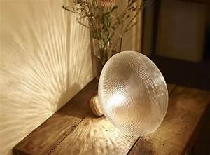 Lampe En Forme D Ampoule : lampe en forme d 39 ampoule poser petite friture pickture ~ Teatrodelosmanantiales.com Idées de Décoration