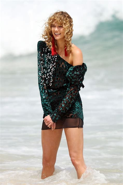 Karlie Kloss Photoshoot Bondi Beach Celebzz