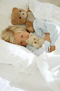 Im Bett Kuscheln : bokelberg com stock fotos photos bilder 42245 bett kuscheln bettw sche sauber liegen ~ Watch28wear.com Haus und Dekorationen