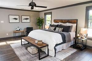 Fixer Upper/ Joanna & Chip Gaines/Magnolia Homes on