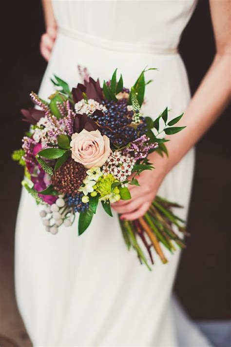 stunningly gorgeous fall bouquets  autumn brides