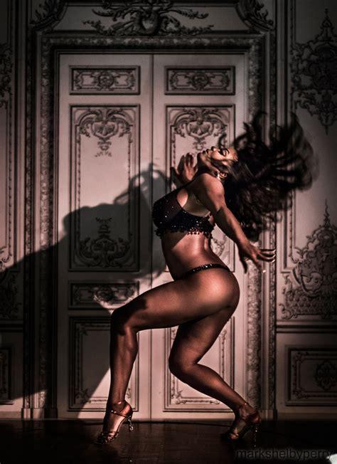 Hire Burlesque Dancer Usa Corporate Entertainment Usa