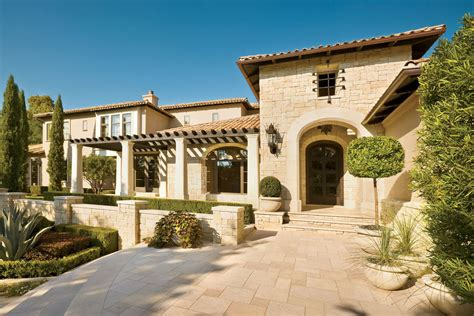 Spanish-colonial Style Luxury Mansion In The Heart Of