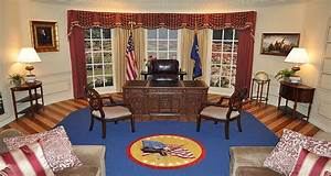 Replica Oval Office Open To The Public For Flag Day  U2013 Kobi