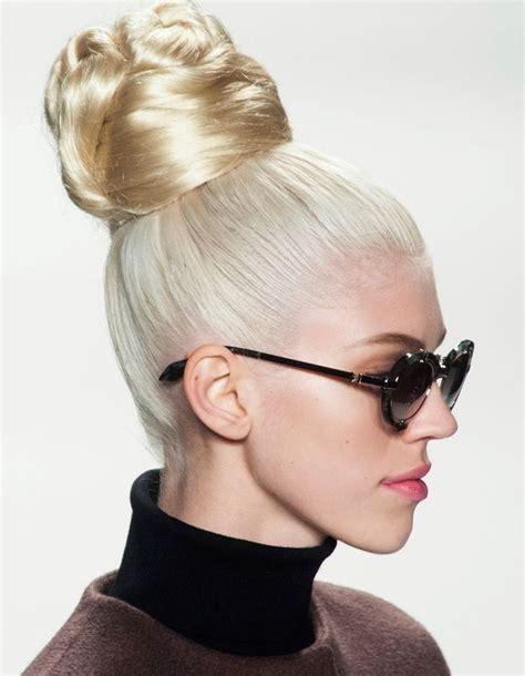 coiffure de soirée coiffure soir 233 e avec postiche 40 coiffures de soir 233 e cool ou sophistiqu 233 es