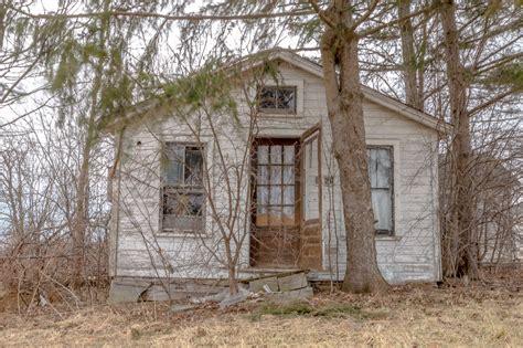 Ontario's Forgotten Abandoned Houses