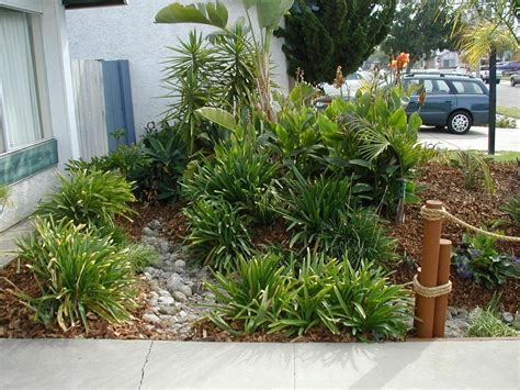 Cozy Small Backyard Landscaping Ideas Low Maintenance