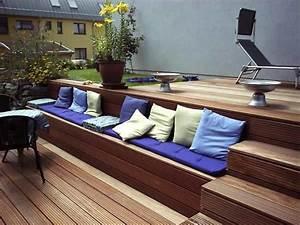 Bankirai Terrasse Bauen : bankirai terrasse mit treppe und integrierter sitzbank ~ Lizthompson.info Haus und Dekorationen