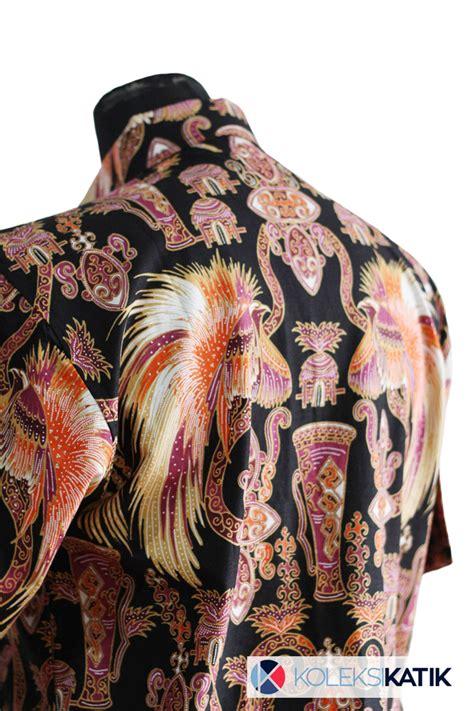 kemeja batik hitam asal papua motif cendrawasih
