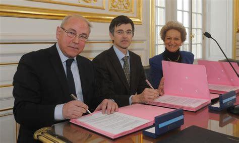 chambre notaires versailles signature d 39 une convention pour une préparation au mariage