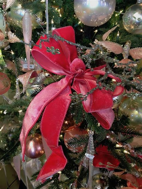christmas tree decorating ideas for all kinds of tastes