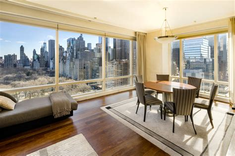 Picture-perfect Apartment In The Trump International Finds