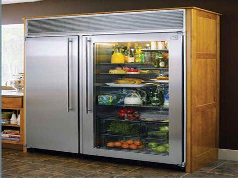 benefits  purchasing glass door fridges
