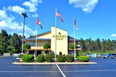 Deluxe Inn Fayetteville North Carolina Nc Hotels Motels