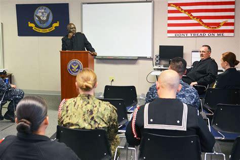 netc force master chief visits iwtc monterey defense